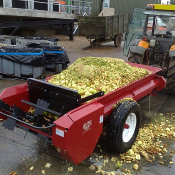 Model 77P fitted with optional endgate, loaded with apple core waste ready for spreading in orchard